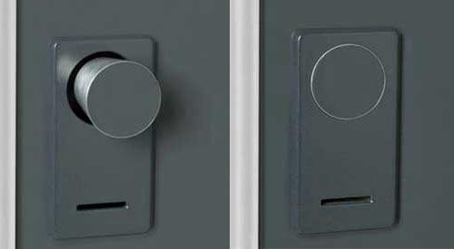 Retractable doorknob